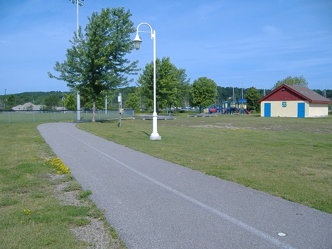 Pete Pettersen Park (looking west)